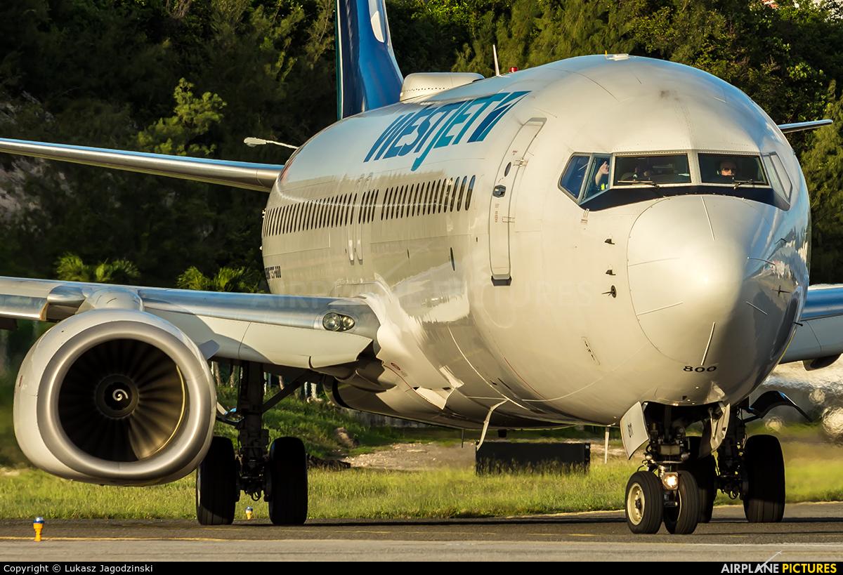WestJet Airlines C-FWSE aircraft at Sint Maarten - Princess Juliana Intl