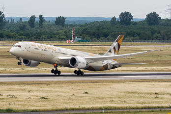 A6-BLM - Etihad Airways Boeing 787-9 Dreamliner