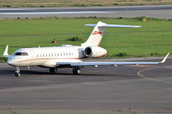 VP-CAF - TAG Aviation Bombardier BD-700 Global 6000