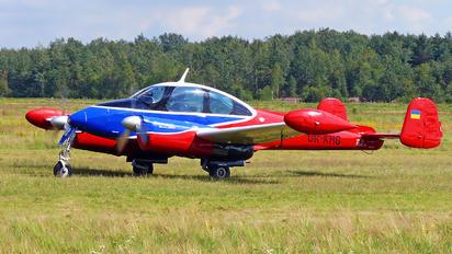UR-KHG - Private LET L-200 Morava