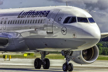 D-AIUL - Lufthansa Airbus A320