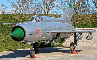 9512 - Hungary - Air Force Mikoyan-Gurevich MiG-21MF