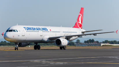TC-JMH - Turkish Airlines Airbus A321