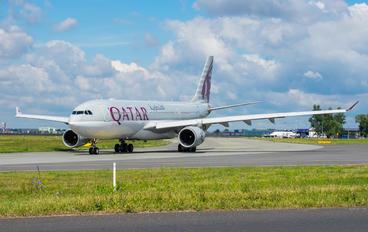 A7-ACM - Qatar Airways Airbus A330-200