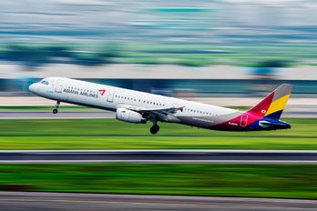 HL8265 - Asiana Airlines Airbus A321