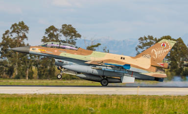 652 - Israel - Defence Force General Dynamics F-16D Barak