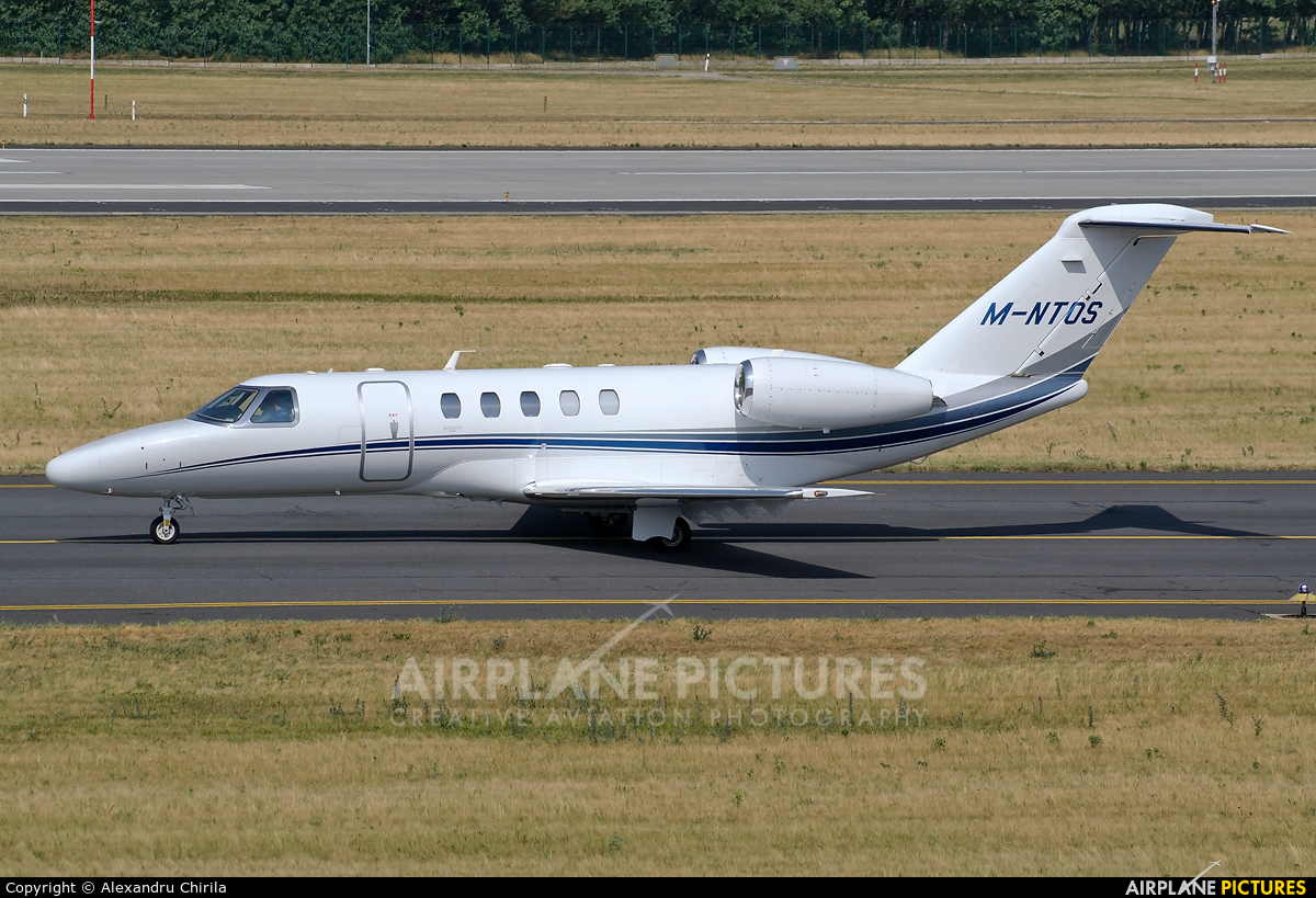 Private M-NTOS aircraft at Budapest Ferenc Liszt International Airport
