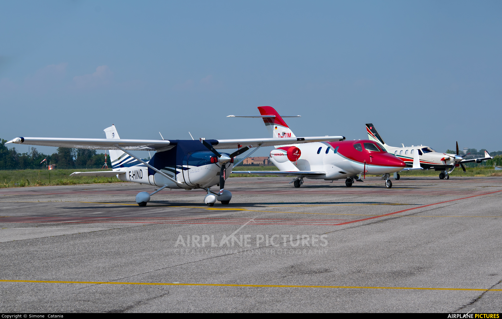 - Airport Overview D-ITIM aircraft at Parma