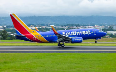N909WN - Southwest Airlines Boeing 737-700