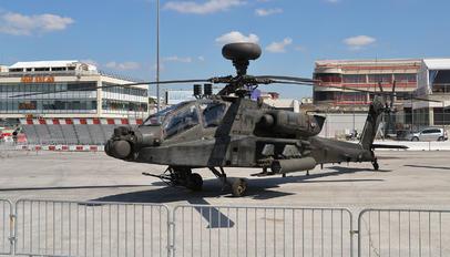 09-05589 - USA - Army Boeing AH-64D Apache