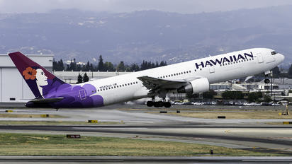 N583HA - Hawaiian Airlines Boeing 767-300ER