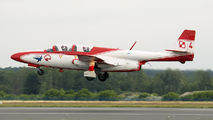 1708 - Poland - Air Force: White & Red Iskras PZL TS-11 Iskra aircraft