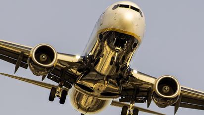 EI-DWZ - Ryanair Boeing 737-800
