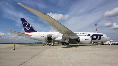 SP-LRH - LOT - Polish Airlines Boeing 787-8 Dreamliner