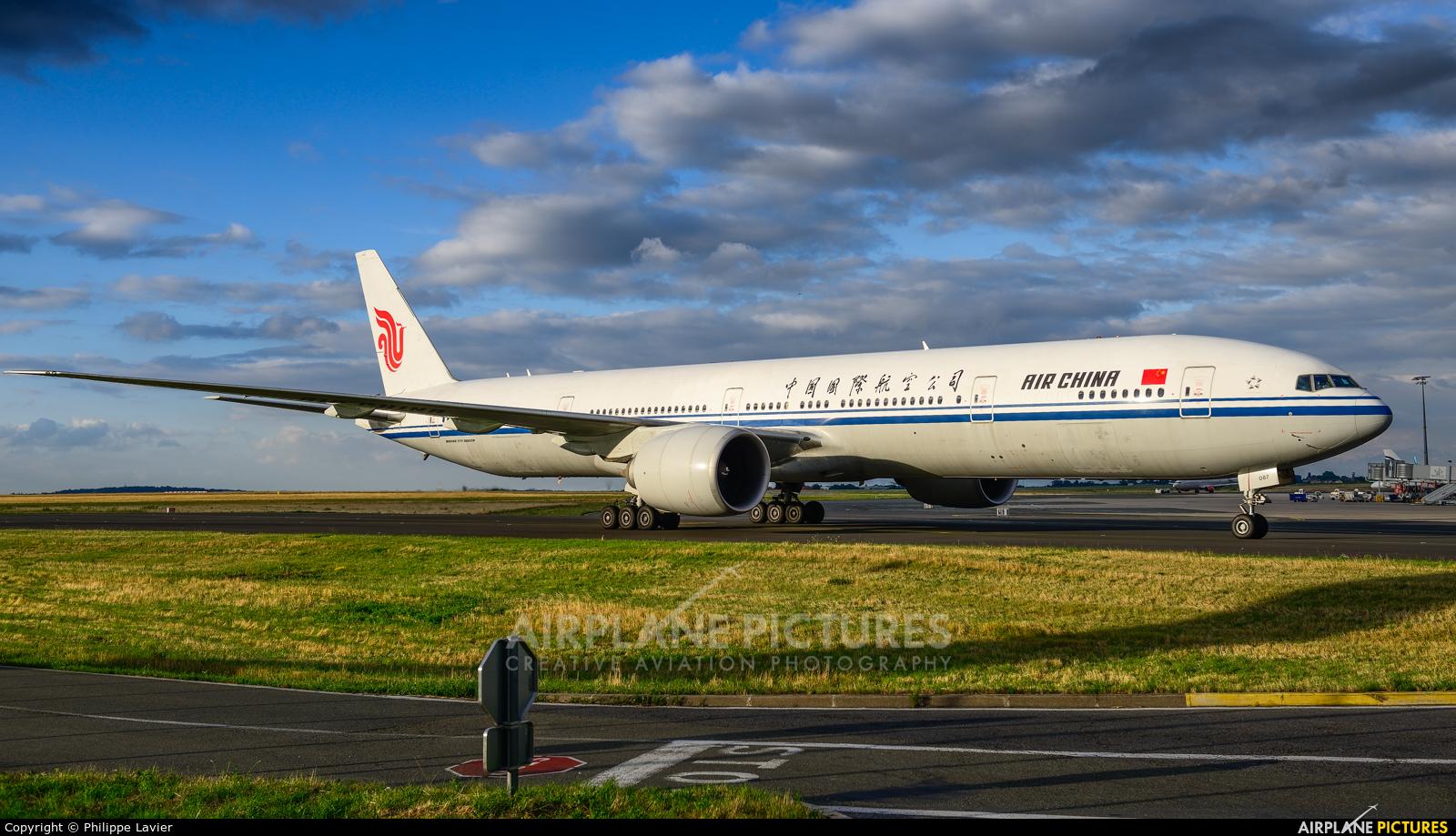 Air China B-2087 aircraft at Paris - Charles de Gaulle