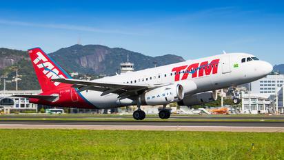 PT-TMB - TAM Airbus A319