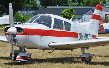 OM-UFO - Private Piper PA-28 Cruiser