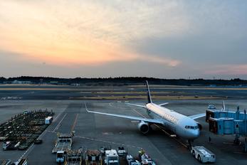 N175DZ - Delta Air Lines - Airport Overview - Apron