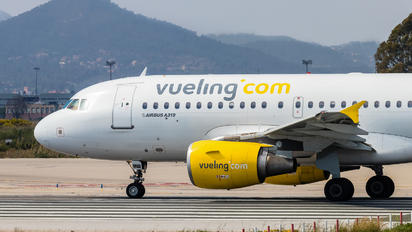 EC-MIQ - Vueling Airlines Airbus A319