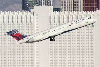 N896AT - Delta Air Lines Boeing 717
