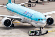 HL8011 - Korean Air Boeing 777-300ER aircraft