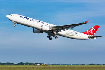 TC-JOE - Turkish Airlines Airbus A330-300