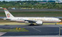 A6-LRB - Etihad Airways Boeing 777-200LR aircraft