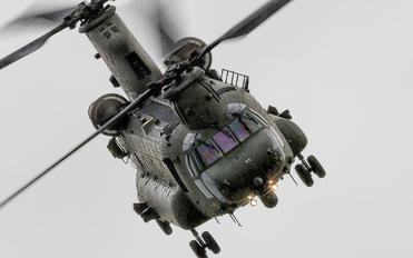 ZA675 - Royal Air Force Boeing Chinook HC.2