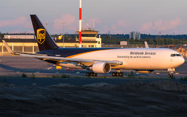 N346UP - UPS - United Parcel Service Boeing 767-300F