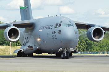 8194 - USA - Air Force Boeing C-17A Globemaster III