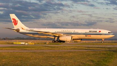 B-5977 - Air China Airbus A330-300