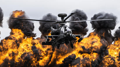 ZJ203 - UK - Army Air Corps Boeing AH-64D Apache