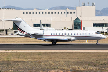N114QS - Netjets (USA) Bombardier BD-700 Global 5000