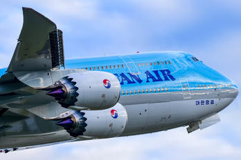 HL7642 - Korean Air Boeing 747-8