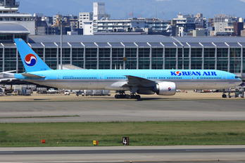 HL7782 - Korean Air Boeing 777-300ER