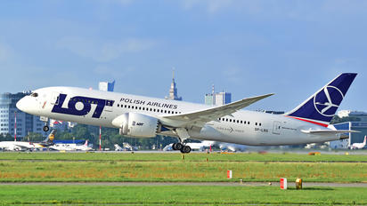 SP-LRG - LOT - Polish Airlines Boeing 787-8 Dreamliner