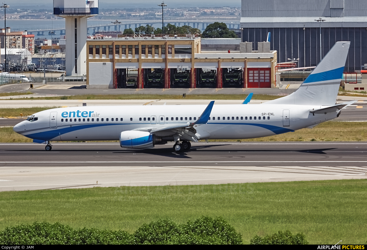 Enter Air SP-ENL aircraft at Lisbon