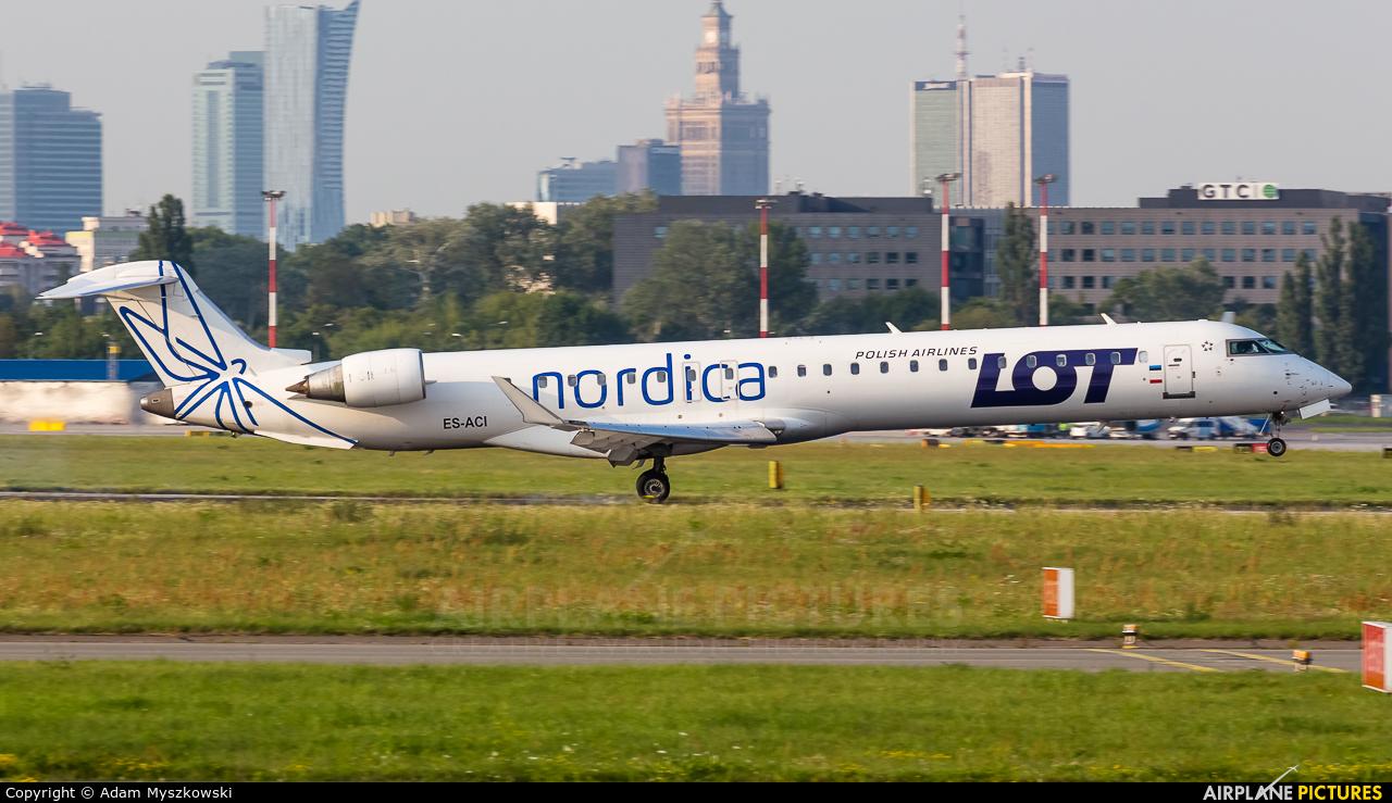 LOT - Polish Airlines ES-ACI aircraft at Warsaw - Frederic Chopin