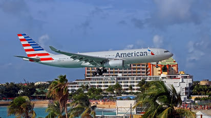 N282AY - American Airlines Airbus A330-200