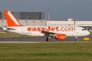 G-EZIZ - easyJet Airbus A319