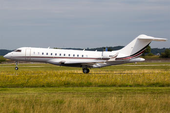 N150QS - Netjets (USA) Bombardier BD-700 Global 6000