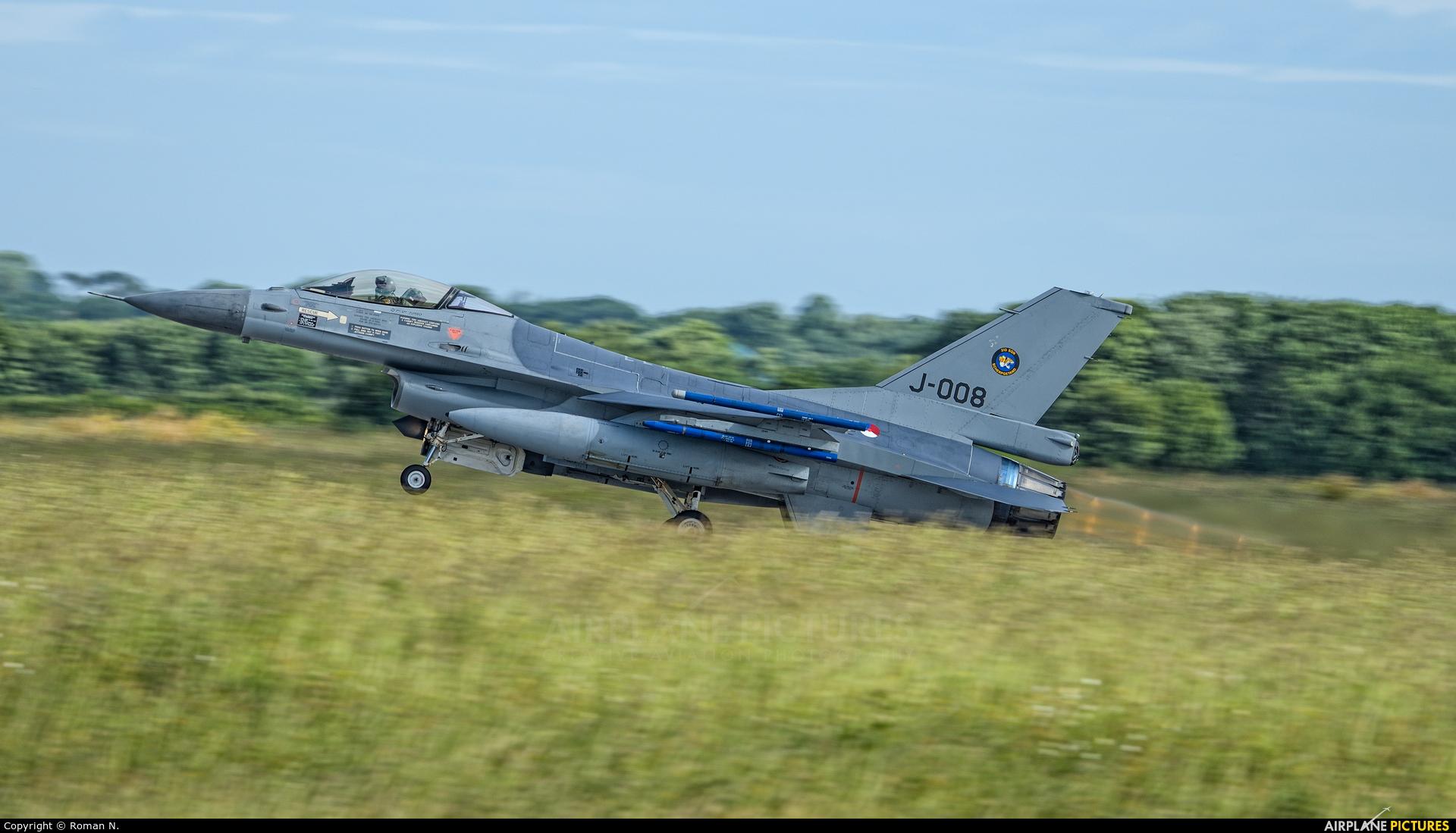 Netherlands - Air Force J-008 aircraft at Landivisiau