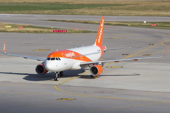G-EZRE - easyJet Airbus A320