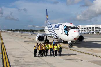 XA-UQA - Magnicharters Boeing 737-300