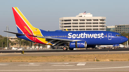 N7873A - Southwest Airlines Boeing 737-700