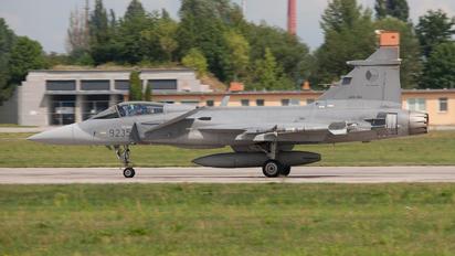 9235 - Czech - Air Force SAAB JAS 39C Gripen