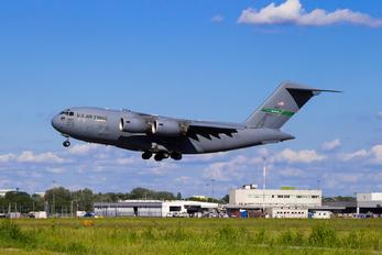 02-1107 - USA - Air Force Boeing C-17A Globemaster III