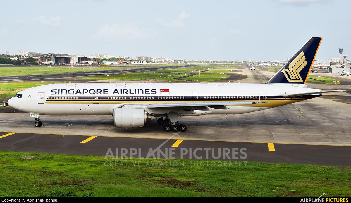Singapore Airlines 9V-SRM aircraft at Mumbai - Chhatrapati Shivaji Intl