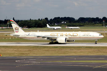 A6-ETR - Etihad Airways Boeing 777-300ER