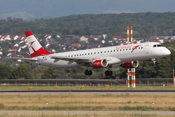 OE-LWB - Austrian Airlines/Arrows/Tyrolean Embraer ERJ-195 (190-200)